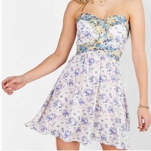 Urban Outfitters Kimchi Floral Strapless Dress